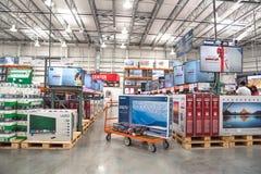 Costco-Großhandel mit Reihe der Großleinwand, intelligente Fernsehanzeige Lizenzfreies Stockbild