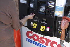 COSTCO VENDE IL GAS PIÙ ECONOMICO AI MEMBRI Fotografia Stock