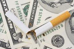 Coste de fumar Fotos de archivo libres de regalías