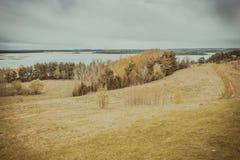Coste de la visión panorámica del lago Braslav belarus Fotos de archivo