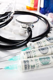 Coste de vida conceptual del cuidado médico aún Fotografía de archivo