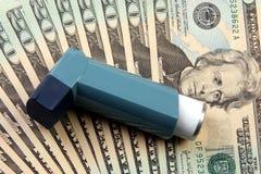 Coste del tratamiento del asma Fotografía de archivo libre de regalías
