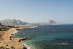 Costee cerca de la ceja Trapan Sicilia Italia Europa del lo de San Vito Fotos de archivo libres de regalías