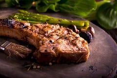 Costeleta de carne de porco grelhada foto de stock royalty free