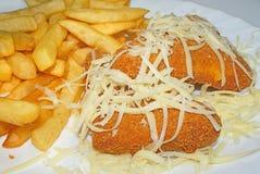 Costeleta de carneiro do queijo com fritadas Fotos de Stock Royalty Free