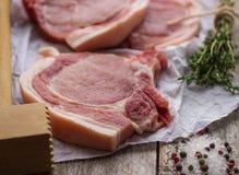 Costeletas de carne de porco cruas Imagem de Stock Royalty Free