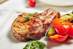 Costeletas de carne de porco da grade Fotografia de Stock Royalty Free
