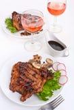 Costeletas e vinho de carne de porco Imagem de Stock Royalty Free