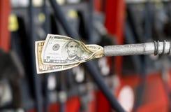 Costes del combustible de levantamiento Imágenes de archivo libres de regalías