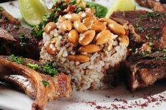 Costillas del cordero. Cocina de Oriente Medio Foto de archivo libre de regalías