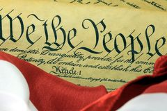 Costituzione degli Stati Uniti - noi la gente con la bandiera americana Fotografia Stock Libera da Diritti