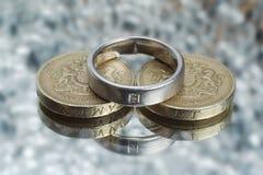 Costo de la boda foto de archivo