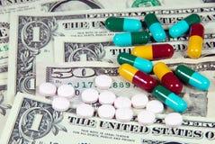 Costo de la medicina. Imágenes de archivo libres de regalías