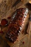 Costole di carne di maiale affumicate casalinghe del barbecue Fotografia Stock