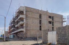Costruendo in costruzione con un'armatura di legno nella CIT Fotografia Stock