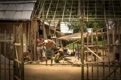 Costruendo una casa nel Myanmar Fotografie Stock Libere da Diritti