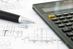 Costruisce il calcolatore con i disegni Immagine Stock