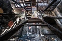 Costruzione abbandonata arrugginita Fotografia Stock Libera da Diritti
