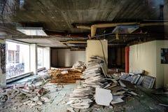 Costruzione abbandonata del deposito dell'ufficio di affari Fotografie Stock Libere da Diritti