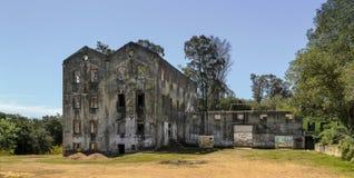 Costruzione abbandonata di industria a Maldonado, Uruguay Immagini Stock