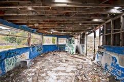 Costruzione abbandonata graffiti interni Fotografie Stock Libere da Diritti