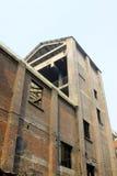 Costruzione abbandonata in una fabbrica Immagini Stock Libere da Diritti