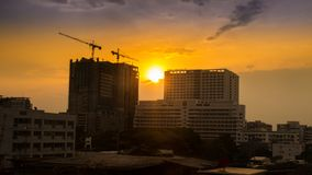 Costruzione al tramonto Fotografie Stock Libere da Diritti