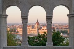 Costruzione al tramonto, Budapest, Ungheria del Parlamento Fotografia Stock Libera da Diritti