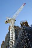 Costruzione alta del grattacielo del grattacielo con la gru Fotografia Stock