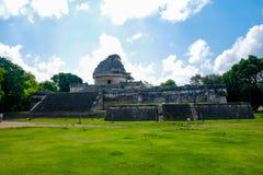 Costruzione azteca dell'osservatorio fotografie stock libere da diritti