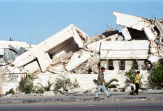 Costruzione bombardata nella Riva a Ovest Immagini Stock Libere da Diritti