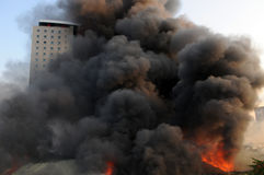 Costruzione Burning immagine stock