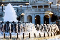Costruzione capitala della Pensilvania a Harrisburg Lato posteriore del con la fontana nella priorità alta Fotografie Stock Libere da Diritti