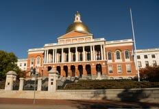 Costruzione capitale della Camera di Front Bulfinch Entrance Massachusetts State fotografia stock