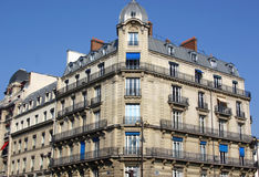 Costruzione classica a Parigi Immagine Stock Libera da Diritti