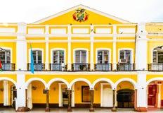 Costruzione coloniale dai due punti della plaza Cochabamba - in Bolivia Fotografia Stock Libera da Diritti