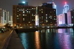Costruzione con il grande foro a Macao alla notte fotografie stock