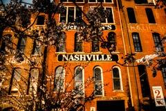 costruzione con il segno di Nashville immagini stock libere da diritti