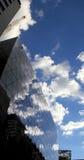 Costruzione con la riflessione della nube Fotografie Stock