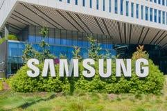 Costruzione corporativa e logo di Samsung Fotografia Stock Libera da Diritti