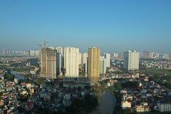 Costruzione in costruzione accanto al coml dell'appartamento Fotografie Stock Libere da Diritti