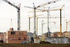 Costruzione in costruzione di molte case residenziali Fotografie Stock
