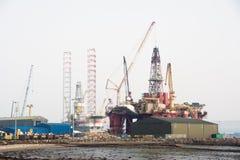 Costruzione degli impianti di perforazione del gas o del petrolio Fotografie Stock