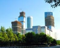 Costruzione dei grattacieli del centro internazionale di affari immagine stock