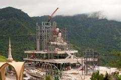 Costruzione del Buddha sulla montagna Fotografie Stock