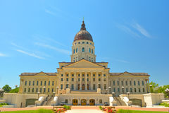Costruzione del Campidoglio dello stato di Kansas su Sunny Day Immagine Stock Libera da Diritti