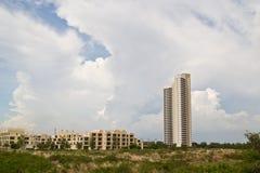 Costruzione del campo di risaia di palazzo multipiano, Fotografia Stock Libera da Diritti