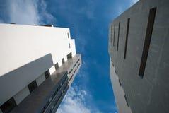 Costruzione del cielo blu Fotografia Stock Libera da Diritti