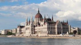 Costruzione del Parlamento a Budapest stock footage