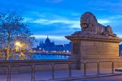 Costruzione del Parlamento dal ponte a catena, Budapest Fotografia Stock Libera da Diritti